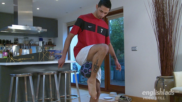 English-Lads-Straight-footballer-Ronaldo-Cerrio-shoots-his-load-over-Justin-Harris-01-gay-porn-pics-photo