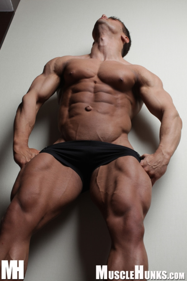 Benny-Ryder-Live-Muscle-Show-Gay-Naked-Bodybuilder-nude-bodybuilders-gay-muscles-big-muscle-men-gay-sex-09-gallery-video-photo