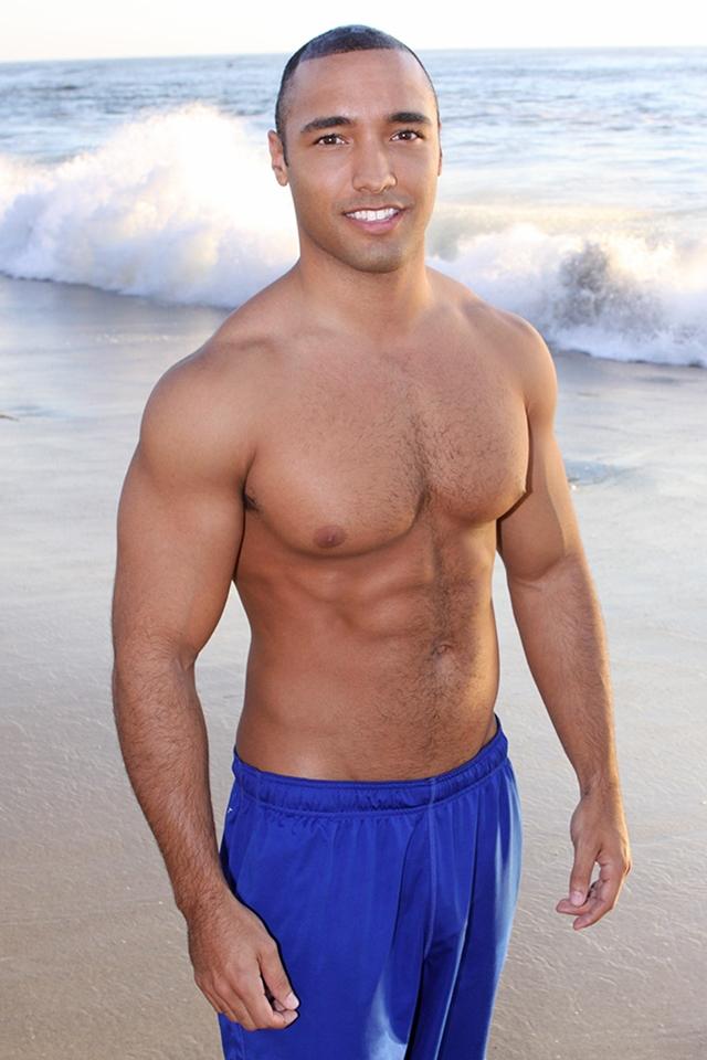 Black-muscle-straight-guy-Pete-Sean-Cody-01-photo