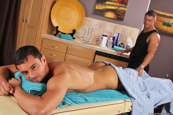 Donny-Wright-and-nude-masseur-Cody-Cummings-01-Ripped-Muscle-Bodybuilder-Strips-Naked-and-Strokes-His-Big-Hard-Cock-torrent-photo