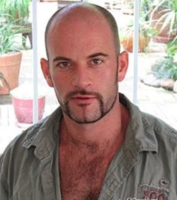 Gay-amateur-real-amateur-guys-Aaron-photo