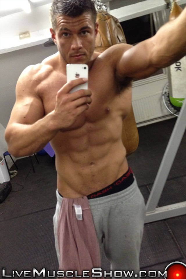 live muscle show  Joshua Armstrong