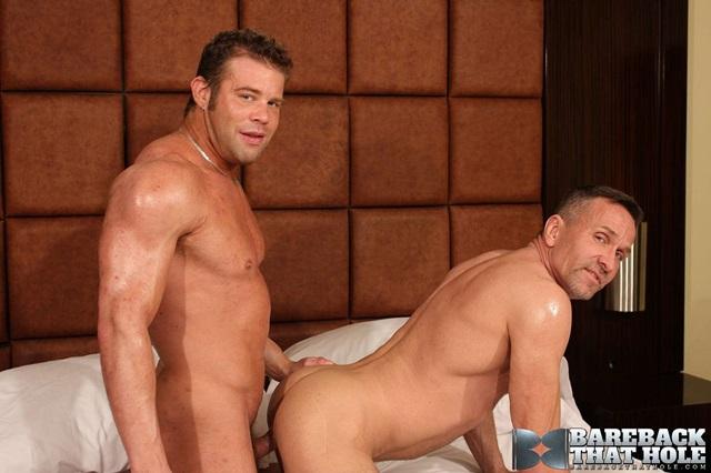 bareback that hole  Darius Soli and Matt Sizemore