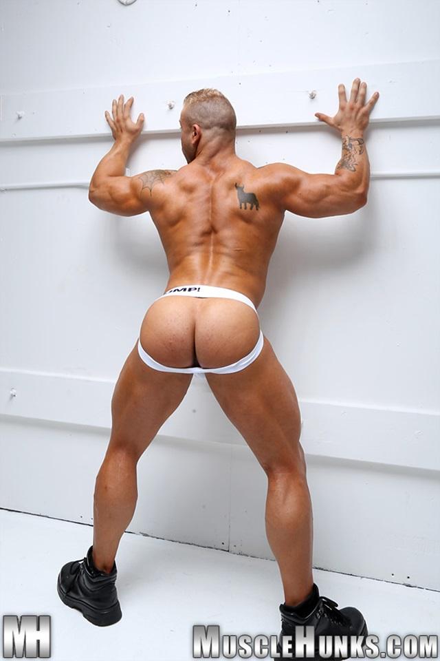 Max-Hilton-Muscle-Hunks-nude-gay-bodybuilders-porn-muscle-men-xvideos-xtube-hunks-big-uncut-cocks-jockstrap-006-male-tube-red-tube-gallery-photo