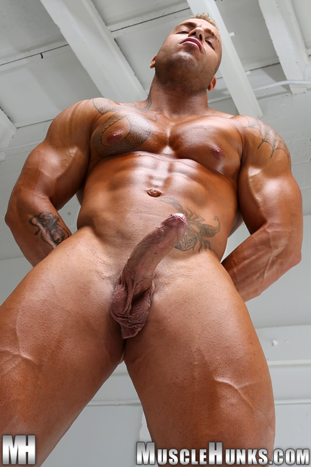 Max-Hilton-Muscle-Hunks-nude-gay-bodybuilders-porn-muscle-men-xvideos-xtube-hunks-big-uncut-cocks-jockstrap-012-male-tube-red-tube-gallery-photo