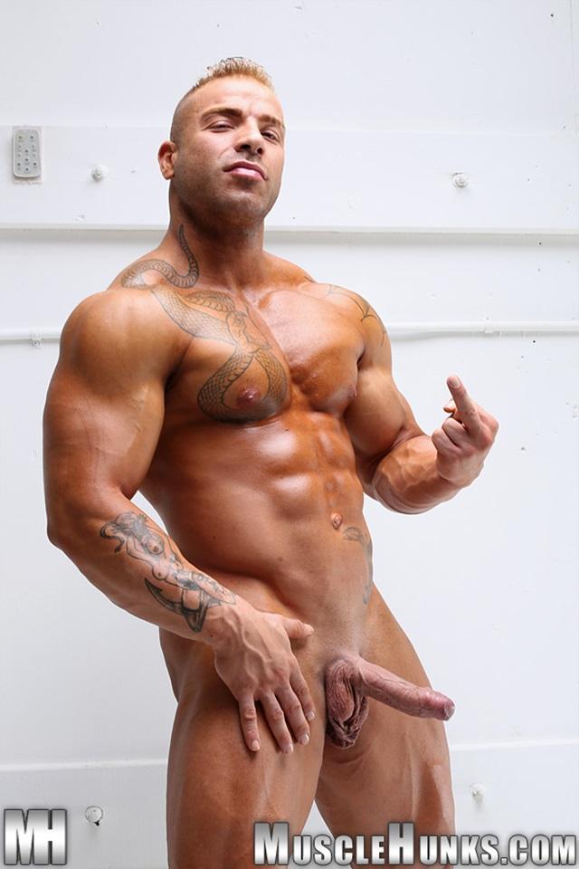 Cheaply got, Red stripe bodybuilder porn