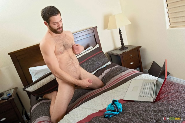 Tommy-Defendi-Extra-Big-Dicks-huge-cock-large-dick-massive-member-hung-guy-enormous-penis-gay-porn-star-009-gallery-video-photo