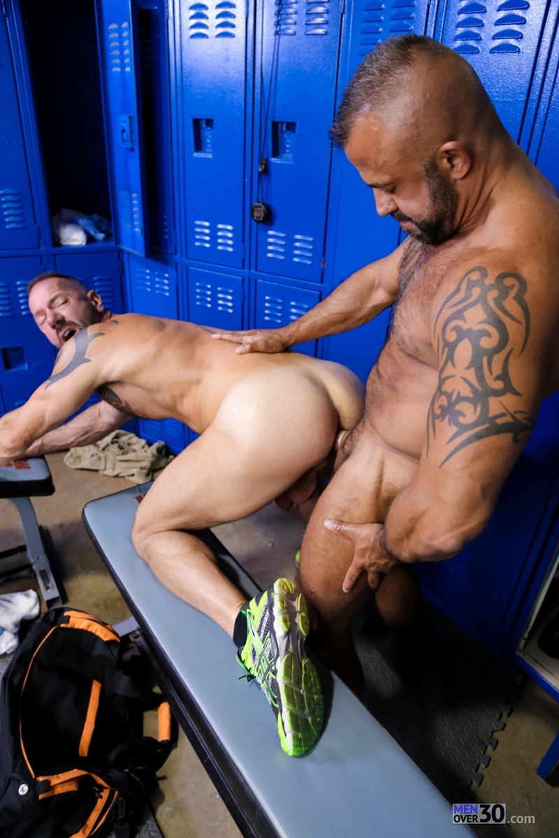 MenOver30-Vic-Rocco-Jon-Galt-locker-room-smelly-armpit-hairy-chest-hot-gym-toned-men-ass-fucking-012-tube-download-torrent-gallery-photo