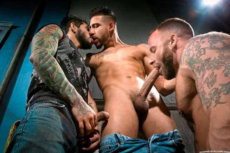 RagingStallion-Draven-Torres-FX-Rijos-Derek-Parker-tatted-up-bearded-studs-big-dicks-huge-muscles-sex-tattoos-piercings-eating-ass-fucked-001-tube-download-torrent-gallery-sexpics-photo