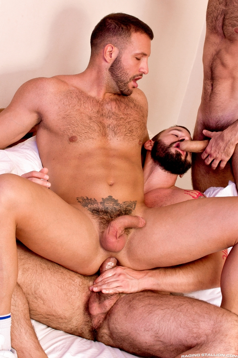 RagingStallion-hustlers-Donato-Reyes-Dario-Beck-Alessio-Veneziano-naked-men-fur-face-fucked-sucks-rimming-011-tube-download-torrent-gallery-sexpics-photo