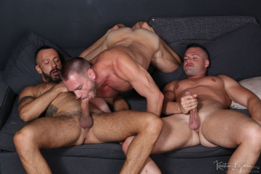 Filthy Gay Guys Threeway Ass Banging