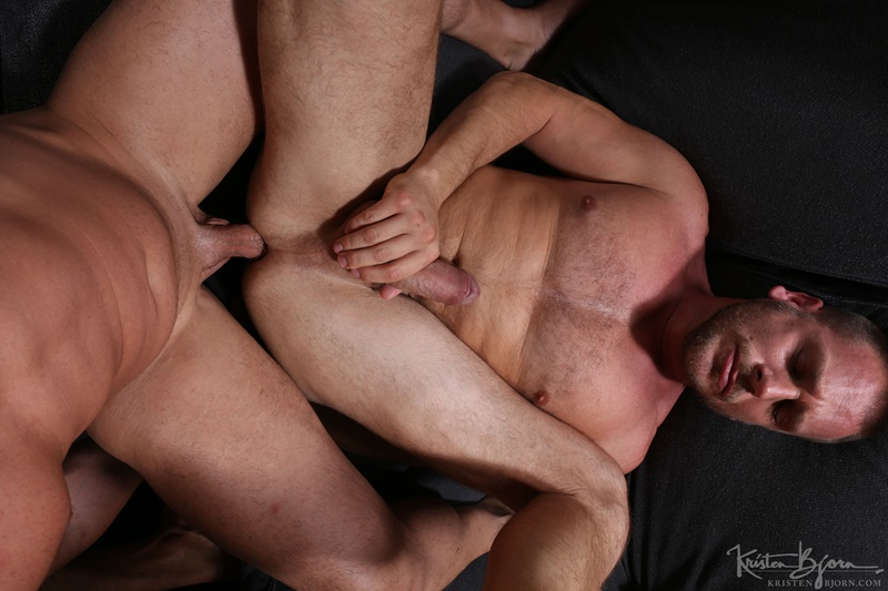 KristenBjorn-sexy-naked-muscle-men-Gabriel-Lunna-Alberto-Esposito-Hans-Berlin-threesome-ass-fucking-huge-uncut-cocks-anal-assplay-rimming-020-gay-porn-sex-gallery-pics-video-photo
