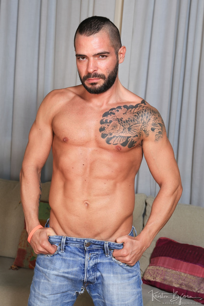 KristenBjorn-nude-big-muscle-dudes-kissing-Gabriel-Lunna-Cody-Banx-bare-raw-massive-cock-sucking-bareback-anal-fuck-flip-cum-shot-013-gay-porn-sex-gallery-pics-video-photo