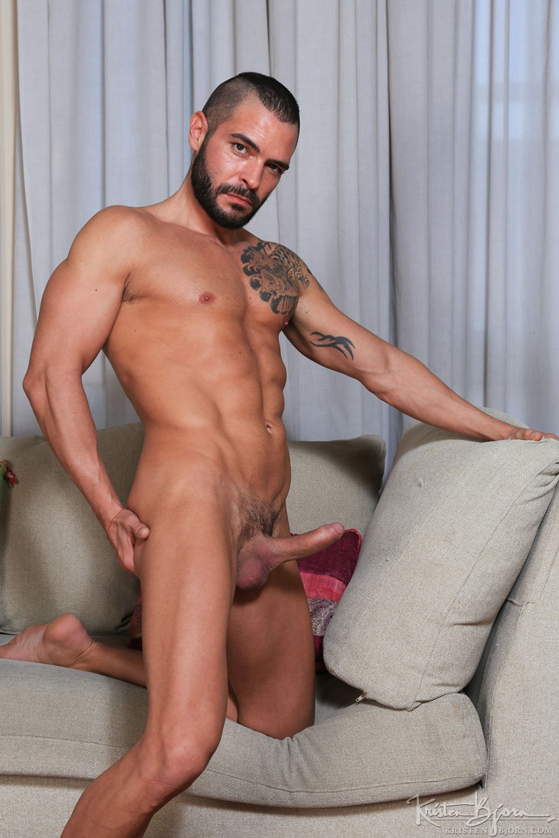 KristenBjorn-nude-big-muscle-dudes-kissing-Gabriel-Lunna-Cody-Banx-bare-raw-massive-cock-sucking-bareback-anal-fuck-flip-cum-shot-025-gay-porn-sex-gallery-pics-video-photo
