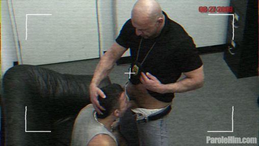 Caught-on-camera-25-year-old-Rafeal-Mendoza-forced-sex-with-Police-Officers-01-Ripped-Muscle-Bodybuilder-Strips-Naked-and-Strokes-His-Big-Hard-Cock-torrent-photo1