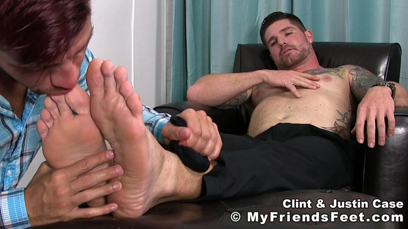 myfriendsfeet-foot-fetish-young-guys-socks-justin-case-clint-bare-foot-worshiping-huge-size-13-shoes-feet-fetishist-010-gay-porn-sex-gallery-pics-video-photo