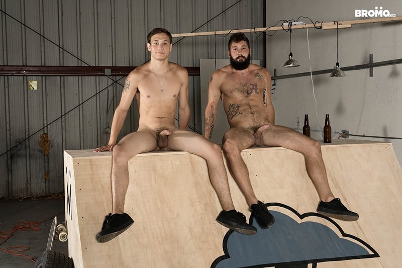 Men for Men Blog Bromo-Jeff-Powers-and-Zane-bubble-barebacks-butt-ass-007-gay-porn-pics-gallery Bearded hunk Jeff Powers returns the wet blowjob before ramming Zane's tight hole raw Bromo
