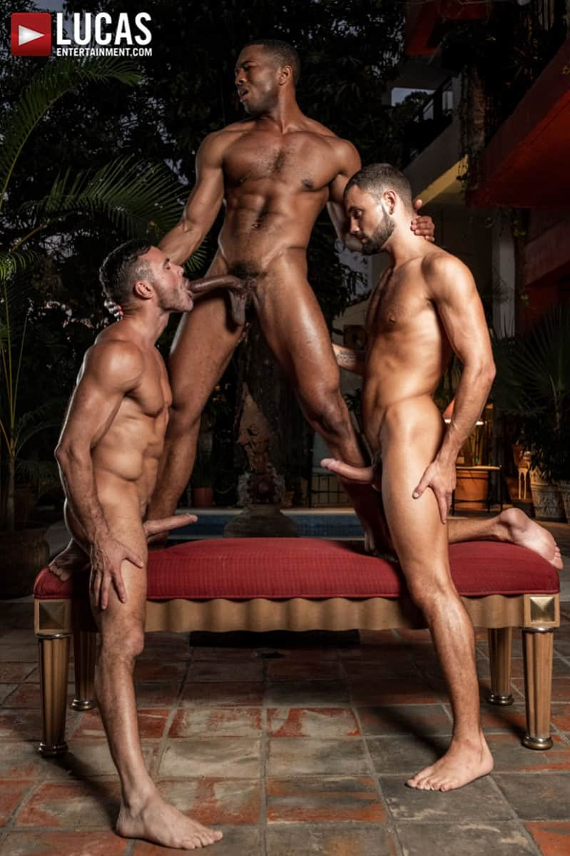 Men for Men Blog MANUEL-SKYE-JEFFREY-LLOYD-SEAN-XAVIER-SUNSET-SEX-LucasEntertainment-010-gay-porn-pictures-gallery Jeffrey Lloyd bareback fucks Sean Xavier before he takes Manuel Skye's big muscle cock Lucas Entertainment