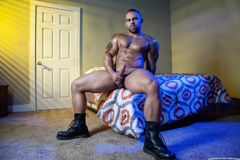 Jay Landford Lorenzo Flexx bareback fucking big black cock muscle ass hole RagingStallion 004 gay porn pictures gallery - Jay Landford takes ownership of Lorenzo Flexx's hole with passionate kisses and long driving thrusts of his raw glistening cock