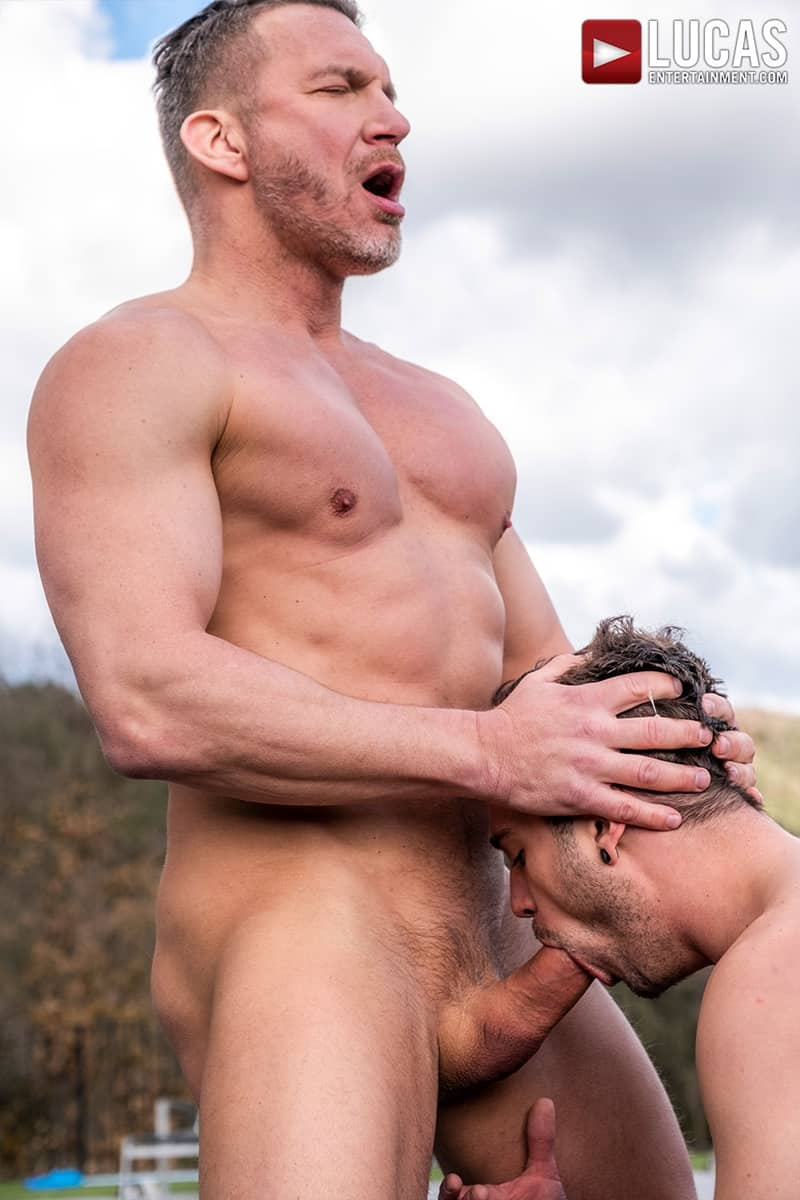 Muscle-Daddy-Tomas-Brand-bareback-fucks-Drake-Rogers-hot-bubble-butt-Ass-LucasEntertainment-023-Gay-Porn-Pics