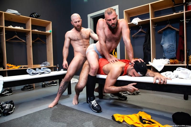Threesome Anthoni Hardie Donnie Argento bareback Nigel March tight ass holes RagingStallion 014 Gay Porn Pics - Anthoni Hardie gets under Donnie Argento to give Nigel March all-access to two tight holes