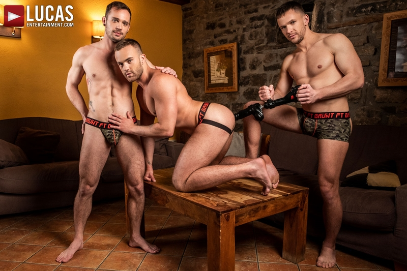 Andrey Vic's extreme sex toy double penetration of Jackson Radiz and Drake Rogers' hot holes