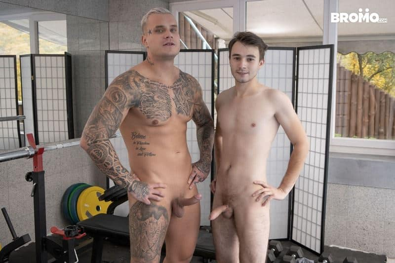 Hot big muscle hunk Ryan Cage huge thick cock bare fucking young twink Ricky hot hole 001 gay porn pics - Hot big muscle hunk Ryan Cage's huge thick cock bare fucking young twink Ricky's hot hole