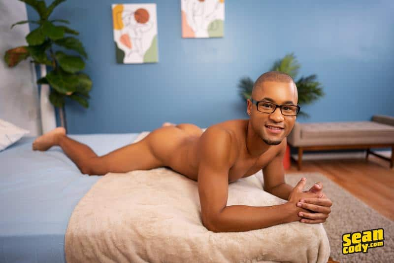 Sexy muscle dude Clyde eats black stud Chris asshole barebacking missionary 9 gay porn pics - Sexy muscle dude Clyde eats black stud Chris's asshole then barebacking him missionary