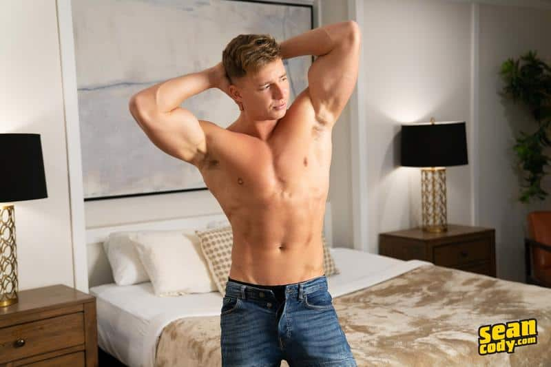 Sexy young muscle boy Max Campbell solo big dick jerk off 5 gay porn pics - Sexy young muscle boy Max Campbell solo big dick jerk off