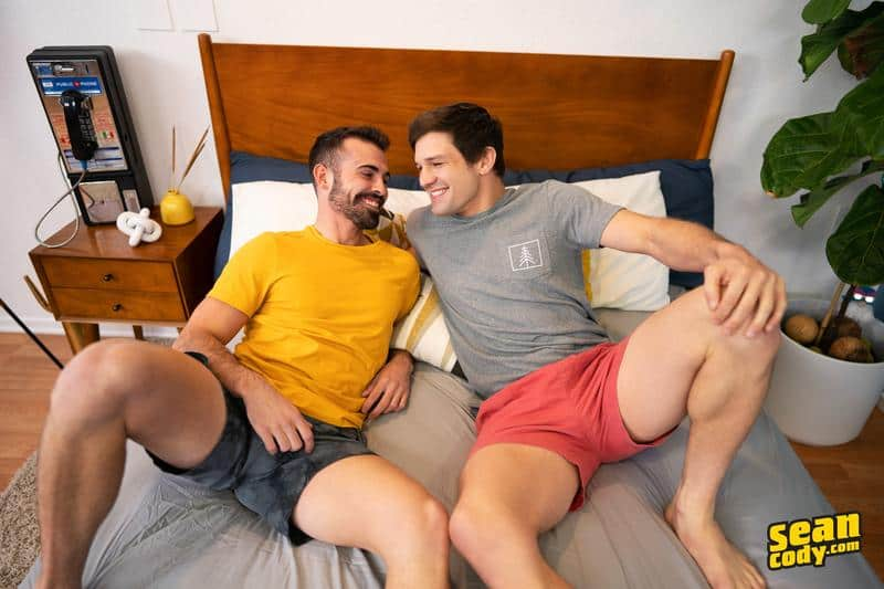 Sexy young muscle hunk Brysen huge dick bare fucks bearded stud Dax bubble butt 2 gay porn pics - Sexy young muscle hunk Brysen's huge dick bare fucks bearded stud Dax's bubble butt