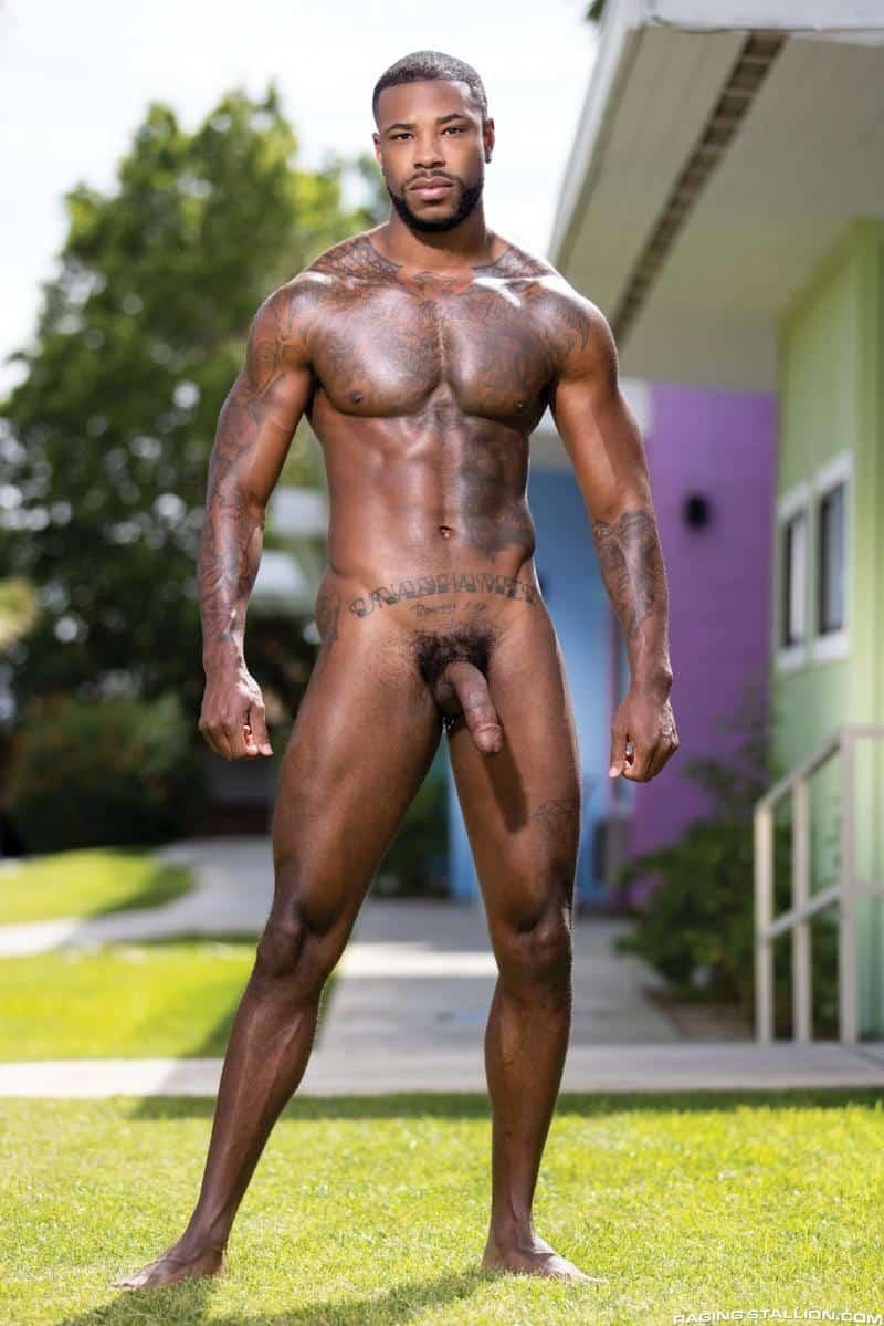 Interracial sexy black muscle stud Reign bareback fucks hairy hunk Ian Holms 4 gay porn pics - Interracial sexy black muscle stud Reign's bareback fucks hairy hunk Ian Holms