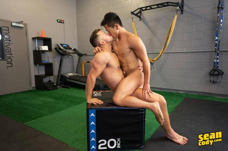 Sexy muscle hunk Deacon huge dick barebacking Asian stud Dale hot bubble ass 12 gay porn pics - Sexy muscle hunk Deacon's huge dick barebacking Asian stud Dale's hot bubble ass